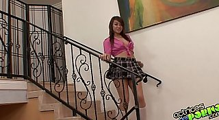 Visita de follamigo a Angelina Mylee (completa) - Latina teenie fucking hard
